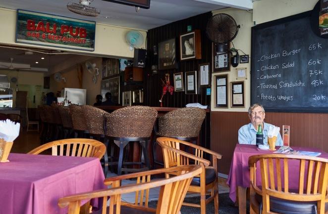 William in hi pub